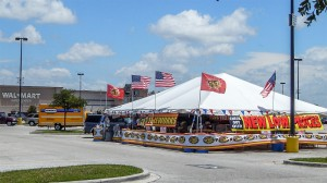 Fireworks-Stand-2014-at-Walmart-Supercenter-in-Wimauma-FL-e1404922289972